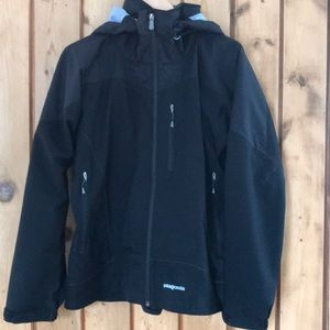 Patagonia thick heavy unlined black hooded jacket